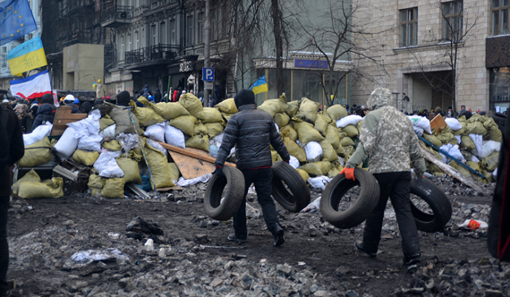 Ukrainian protesters occupy govt ministry building
