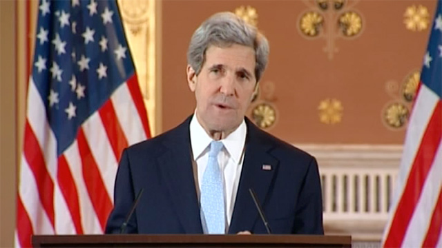 Kerry to meet key Ukrainian opposition leaders on Saturday, Russia calls it 'circus'