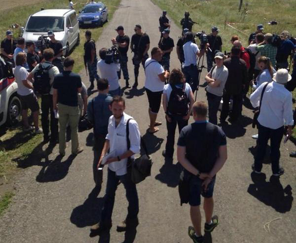 Flight MH17 tragedy: Forensic experts from the Netherlands arrived in Donetsk while 272 dead bodies recovered from crash