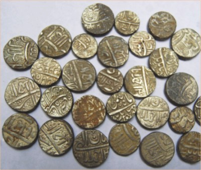 Coins casted in Lahore Mint of Akbar found in Samarkand