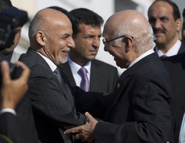 Pakistan, Afghanistan hold talks to review the entire gamut bilateral ties