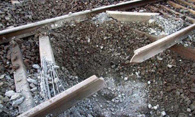 25 injured after blast on railway tracks in Jacobabad