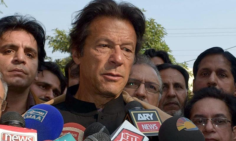 Imran demands electronic voting system, overseas Pakistanis' voting right