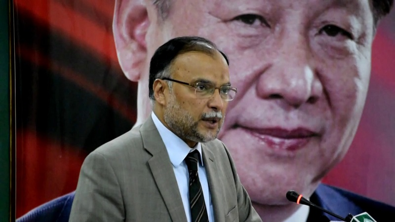 Pakistan to plunge into darkness if trade deals with China not executed: Iqbal